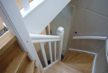 Houten trappetje cool trap voor konijnenhok online for Trap eikenhout